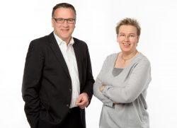 Jörg Schröder und Gudrun Fütterer freuen sich auf zalreiche Besucher beim Tag der offenen Immobilie